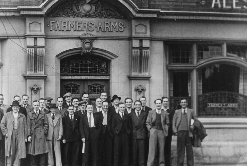 Farmers Arms 1950s.jpg